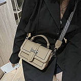 Женская классическая сумочка через плечо кросс-боди два ремешка бежевая, фото 4