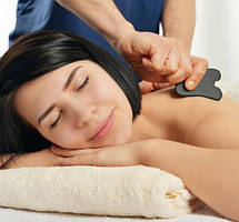 Скребки для массажа гуаша - популярные материалы и формы исполнения