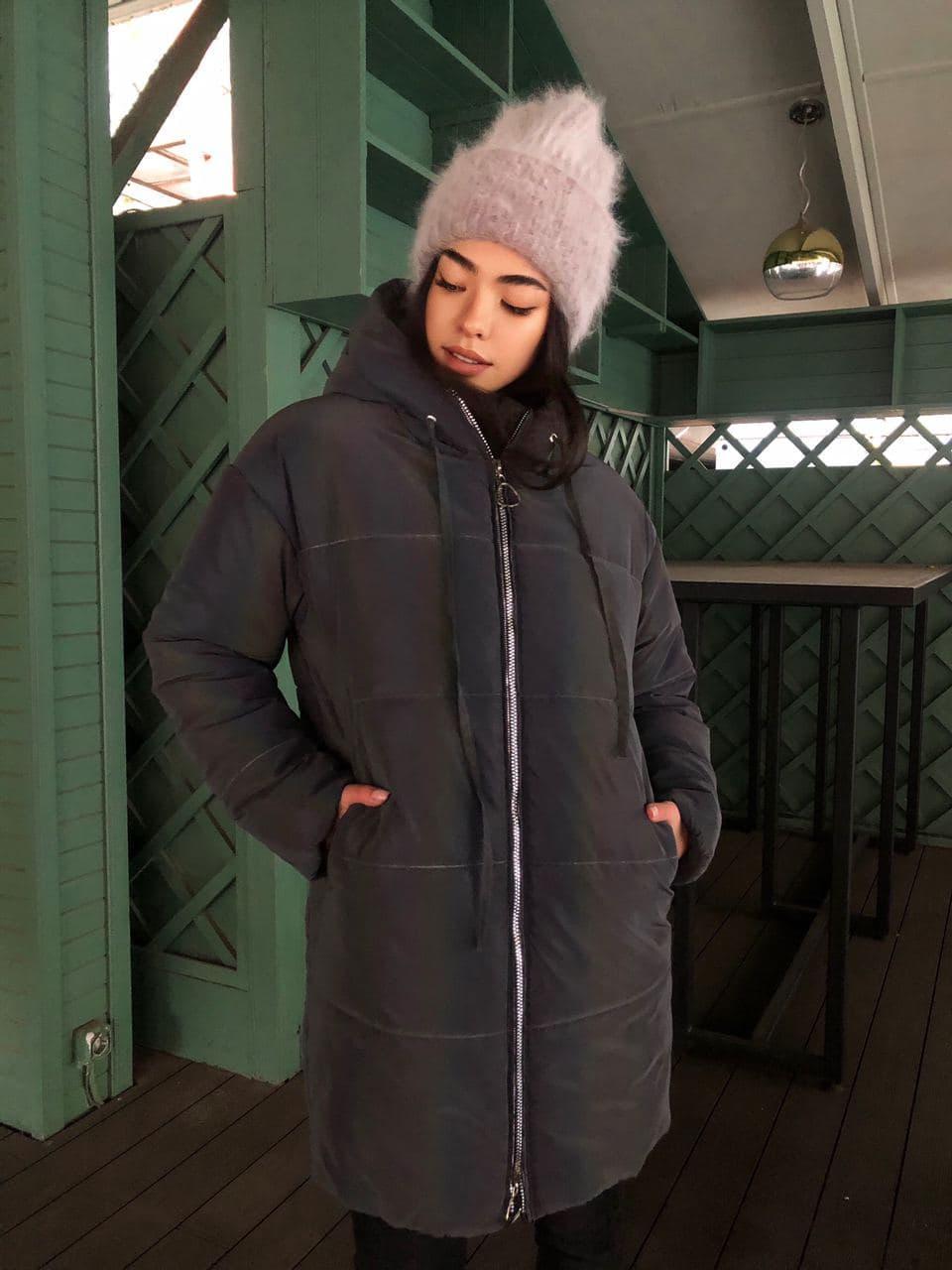 Женская  куртка  с капюшоном из нереальной светоотражающей плащевки