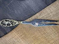 """Вузька вилка для барбекю з бронзовою рукояткою """"Лев"""" в чохлі з шкіри - пам'ятний подарунок для чоловіка"""