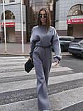 Женский теплый костюмчик из футера с супер объёмным худи и широкими штанами на резинке, фото 2