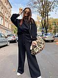 Женский теплый костюмчик из футера с супер объёмным худи и широкими штанами на резинке, фото 5