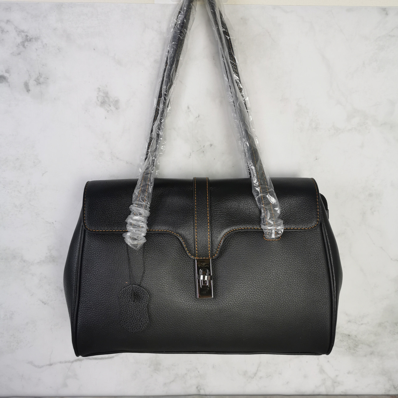 Большая сумка бочонок с ручками на плечо / натуральная кожа (349-L) Черный