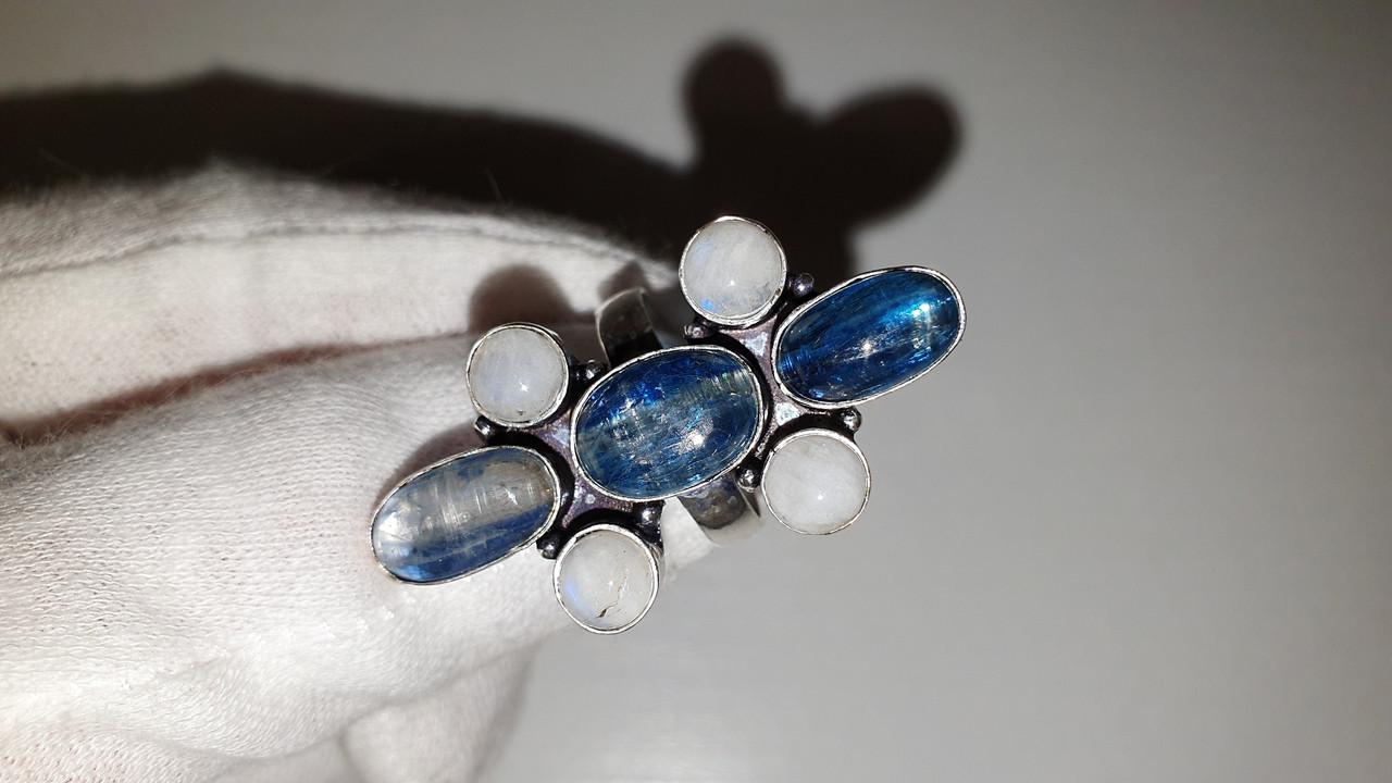 Кольцо с натуральным Лунным камнем и Кианитом