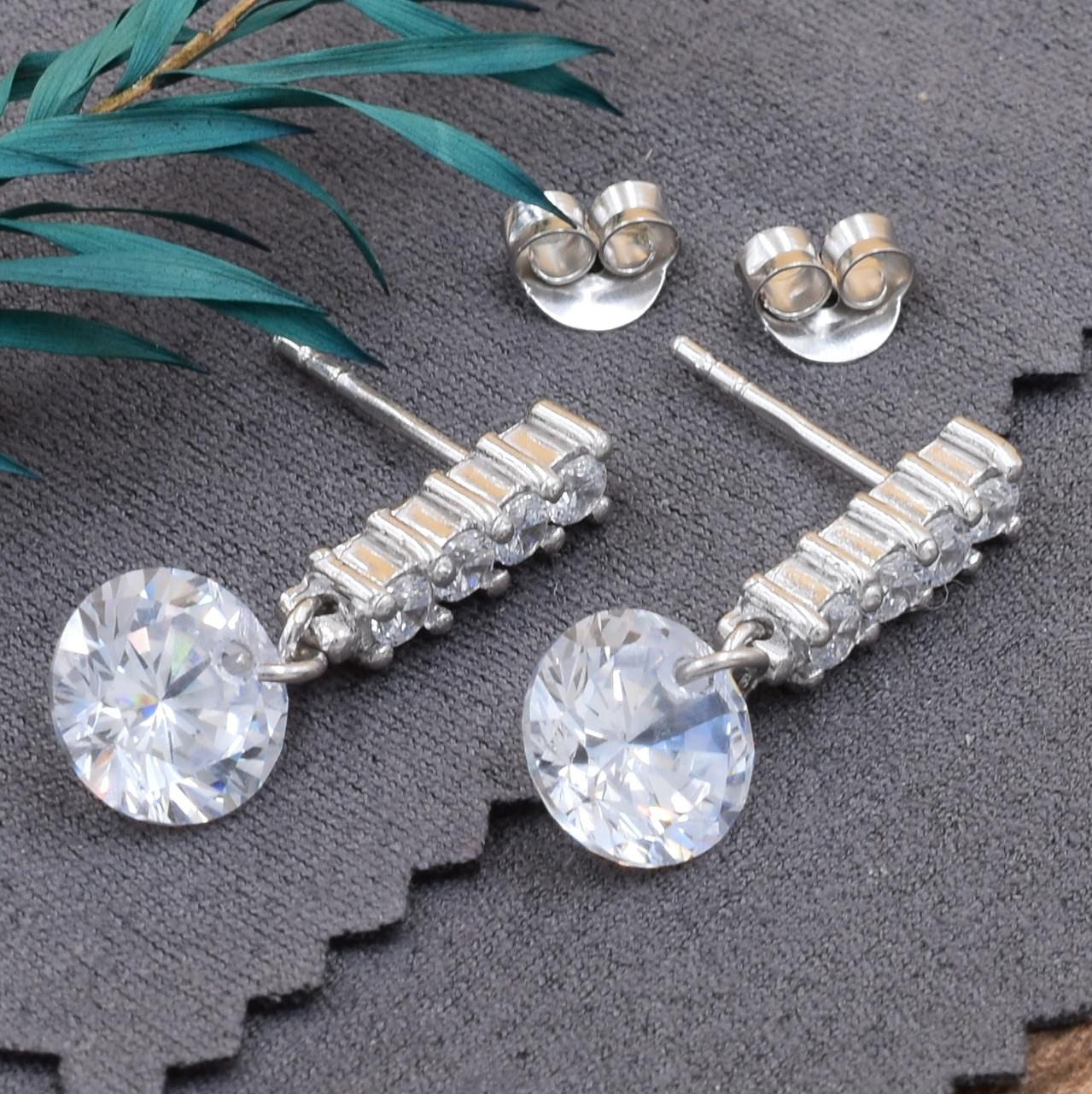 Серебряные серьги гвоздики размер 24х9 мм вставка белые фианиты вес 4.8 г