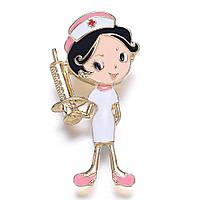 Брошка «Медсестра з золотим шприцом».