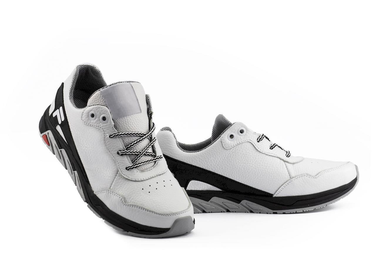 Подростковые кроссовки кожаные весна/осень белые-черные CrosSAV 05 Light Flight