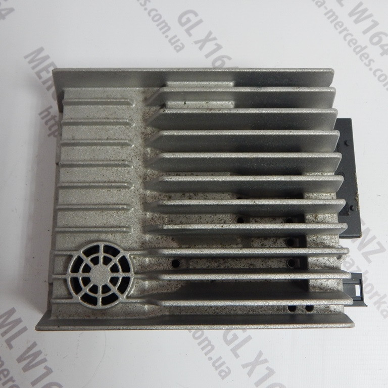 Підсилювач звуку A2518700590 Mercedes GL X164 ML W164 підсилювач звуку