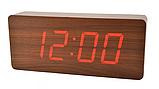 Стильные настольные часы под дерево VST862 с красной подсветкой, фото 5