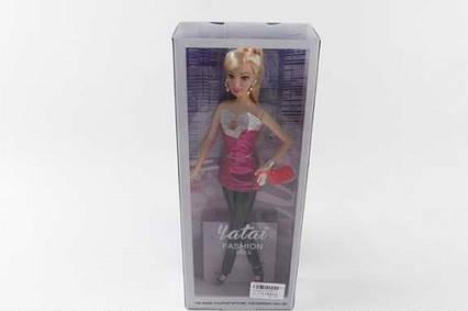 YT003-3 Лялька в коробці