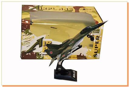 Колекційний літак на підставці MiG-29 (металевий) 6588A-(1/2)