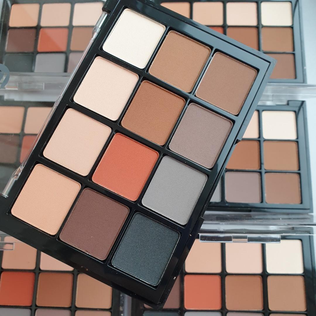 Палетка теней для век  Eyeshadow palette Neutral Mattes VISEART 01