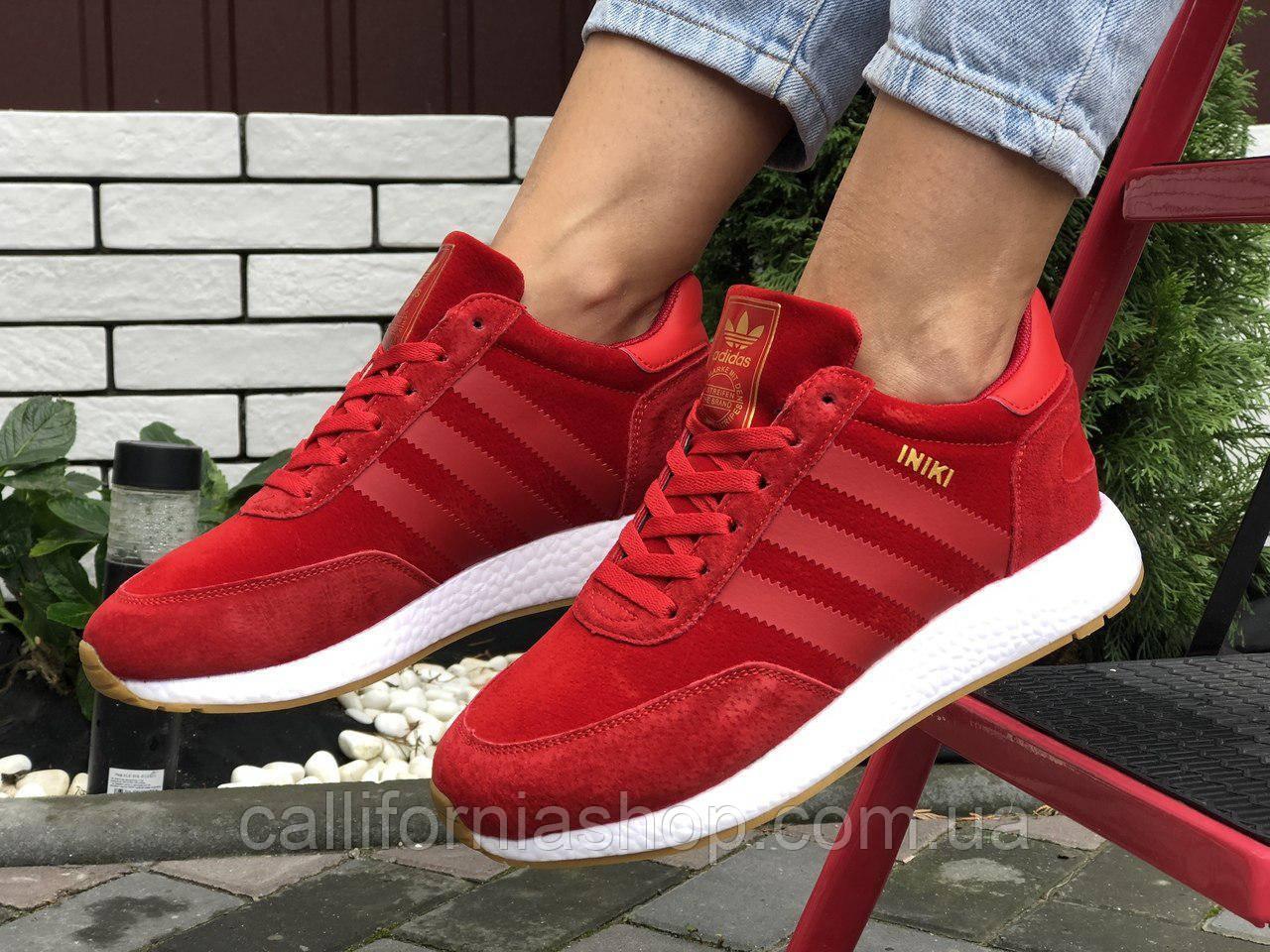 Женские кроссовки красные зимние Adidas Iniki Адидас Иники на меху теплые