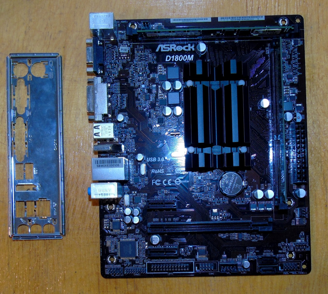 Материнская плата ASRock D1800M + Встроенный процессор Intel Dual-Core J1800  + ОЗУ 4Gb DDR3