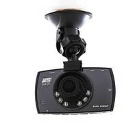 Автомобильный видеорегистратор Navin 828 с жидкокристалическим дисплеем диагональю 2,4дюйма