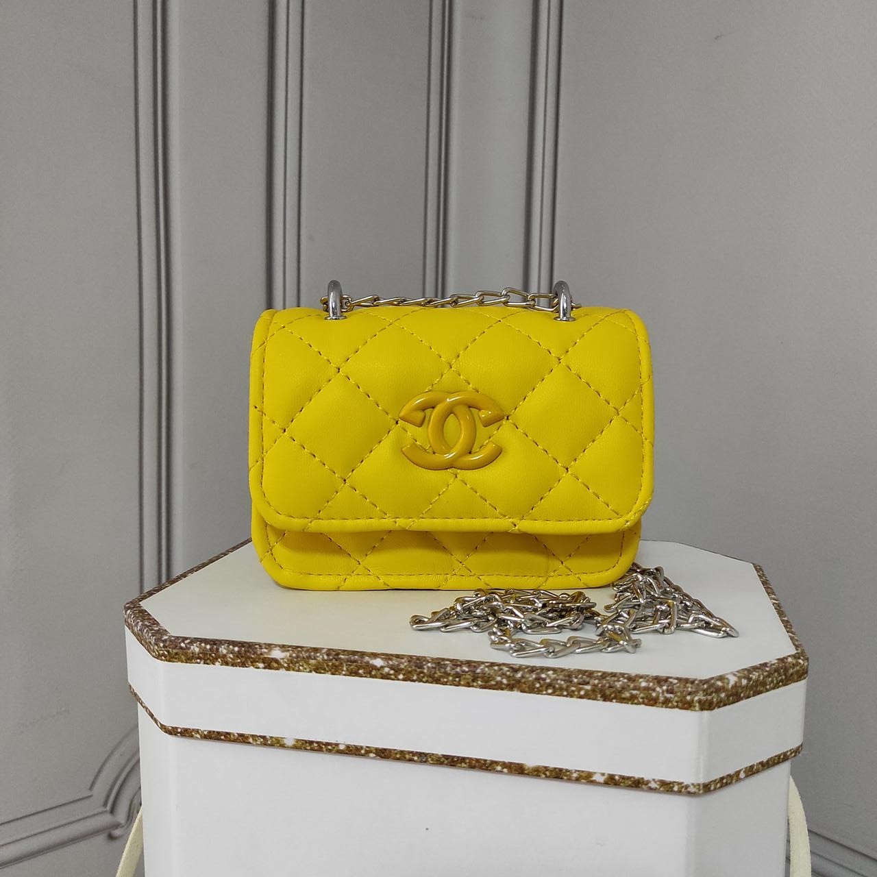 Мини кросс боди, желтая сумка Chanel