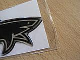 Наклейка s силиконовая Акула добрая 100х39х1,1 черная №2 нос вправо в на авто, фото 2