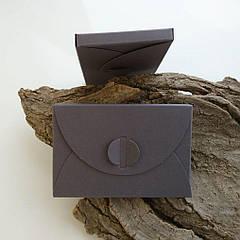 Подарунковий конверт-коробочка 60х90х8 мм з кольорового дизайнерського картону Темно-сірий