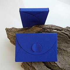 Подарунковий конверт-коробочка 60х90х8 мм з кольорового дизайнерського картону Ультрамариновий