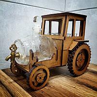 Мужской мини-бар «Трактор», подарочный деревянный набор с рюмками и графином