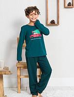 Трикотажная тёмно-зеленая пижама с принтом ёлки на машине мальчикам 3-16 лет