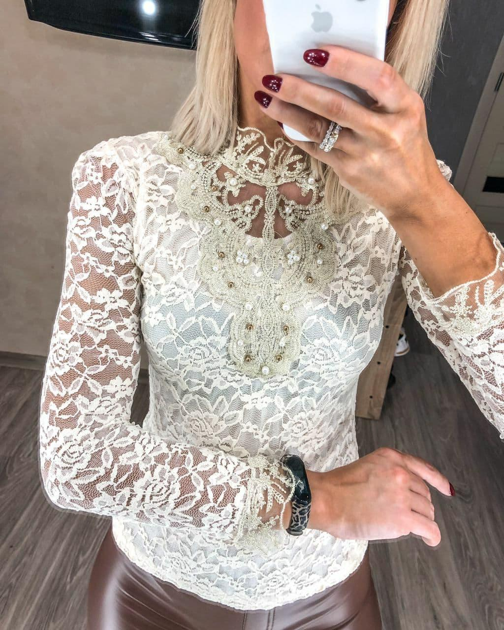 Нарядная    блузка  цвет белый , черный ,