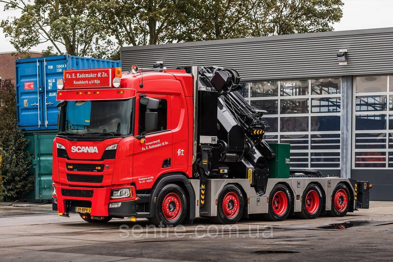 Пятиосное шасси Scania оснастили сверхмощным краном