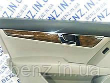 Декоративная накладка карты передней левой двери Mercedes W204/S204 A2047200122