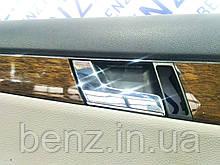 Внутренняя ручка передней левой двери Mercedes W204, S204