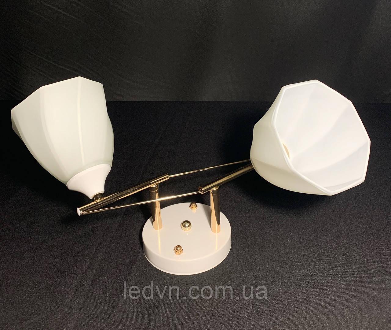 Припотолочная люстра на 2 лампы в белом цвете