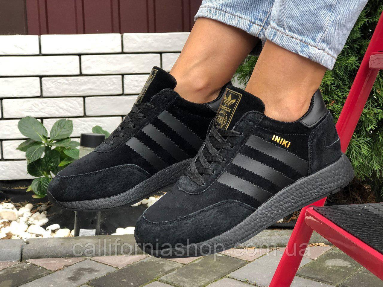 Женские черные кроссовки зимние Adidas Iniki Адидас Иники  на меху теплые