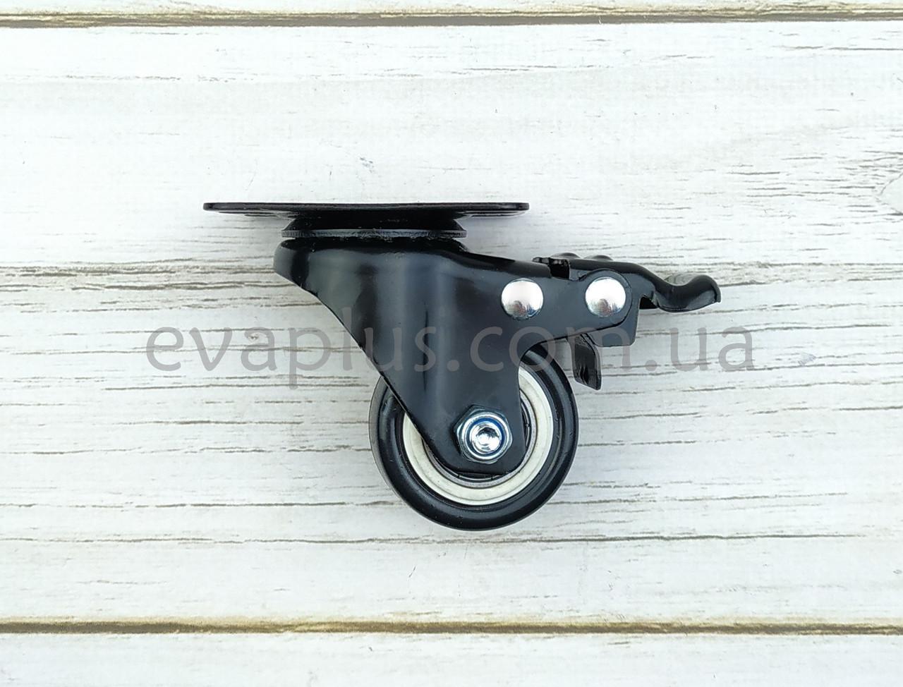 Поворотное колесо 40 мм в металлическом корпусе с тормозом на площадке