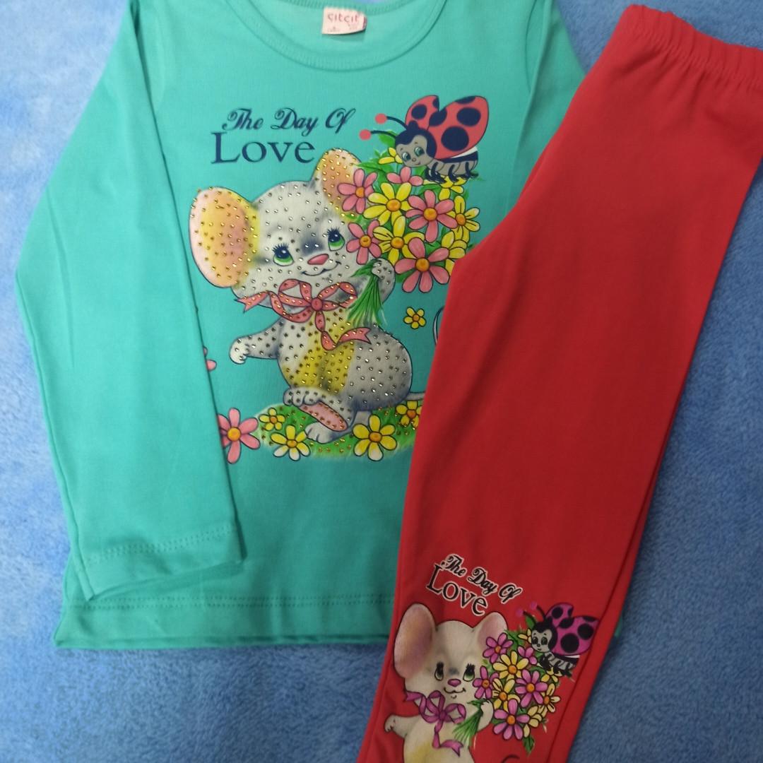 Костюм модный красивый нарядный оригинальный для девочки. В комплекте лосины и кофта.