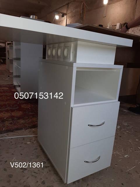 Столик для мастера маникюра  Модель V502-1361