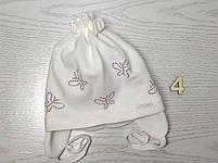 Шапочка для дівчинки демісезонна на завязці з метеликами Розмір 42-44 см Вік 3-7 місяців, фото 7