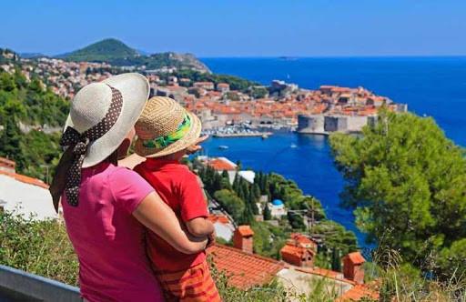 Погружение в водоворот фестивалей и тёплое море – отдых в июле в Хорватии
