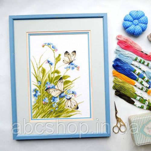 """""""Метелики в квітах"""" - Набір для вишивання хрестиком"""