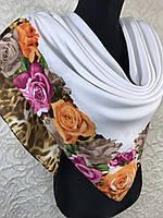 Шерстяной белый платок с цветочным и леопардовым рисунком, фото 1