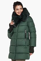 Женская нефритовая куртка зимняя с оригинальным воротником модель 31027, фото 3