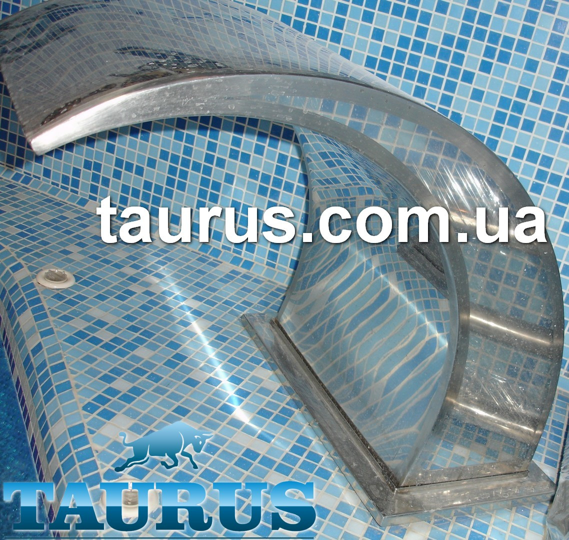 Водопад в бассейн Classic (массажер для плеч и спины) из полированной нержавеющей стали. Производство TAURUS