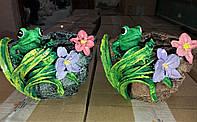 Кашпо для цветов садовое с декором Лягушка на лилии