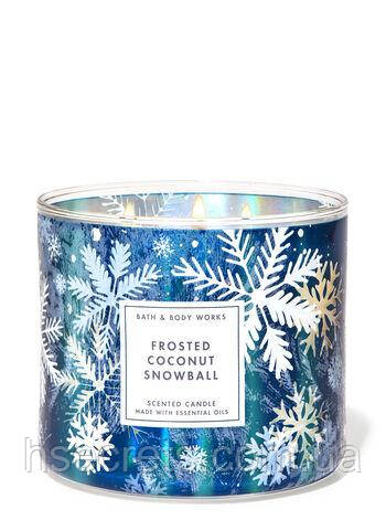 Ароматическая свеча Bath and Body Works Frosted Coconut Snowball