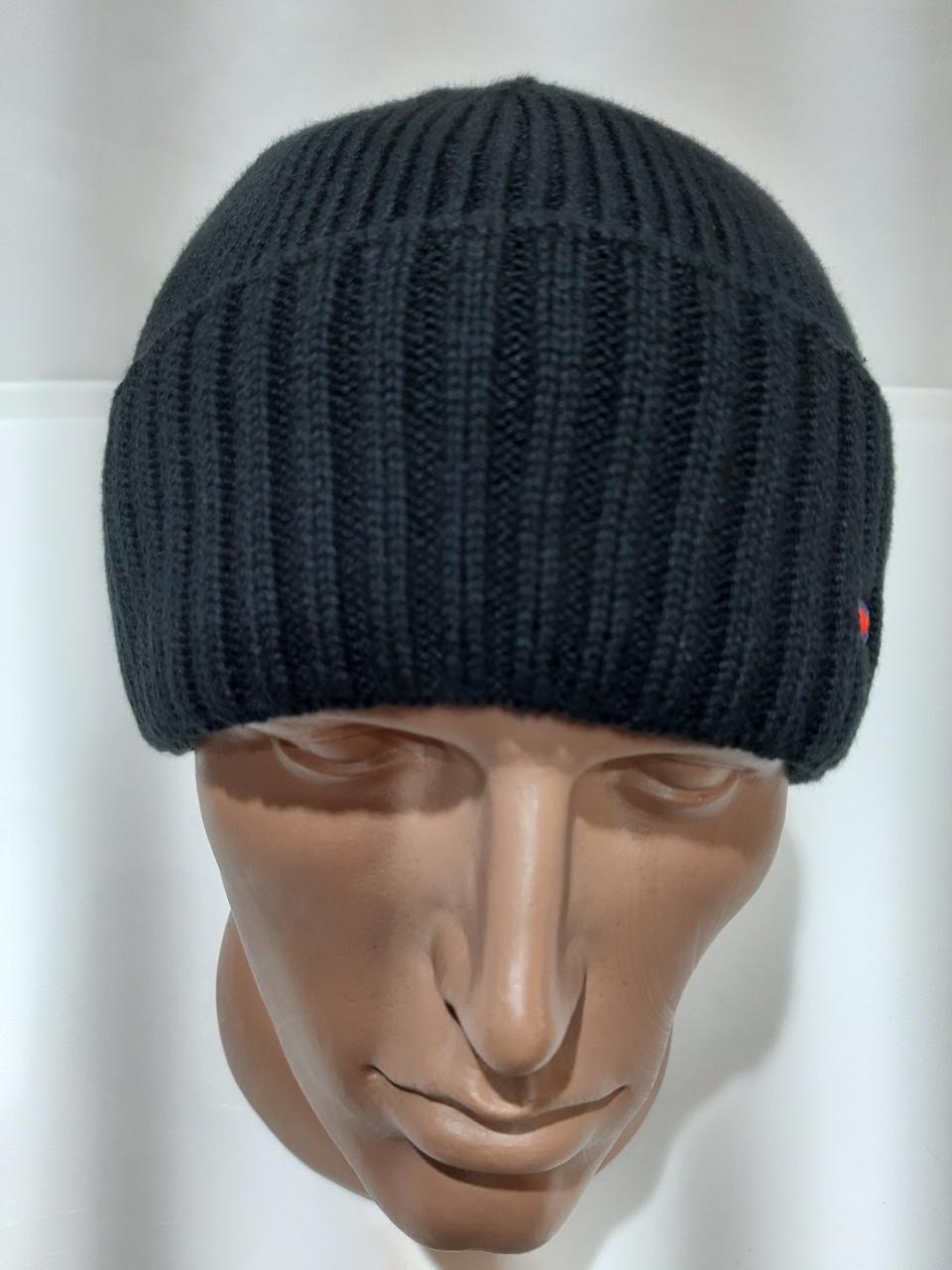 Вязаная зимняя мужская шапка с отворотом черная Турция