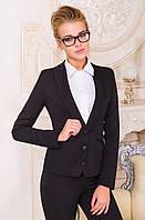 Женский приталенный пиджак черного цвета