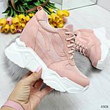 Модные женские розовые кроссовки сникерсы на танкетке по доступной цене, фото 4