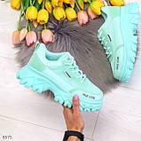 Эффектные яркие небесно голубые люксовые текстильные женские кроссовки, фото 10