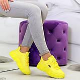 Яркие желтые лимонные неоновые молодежные женские кроссовки, фото 4