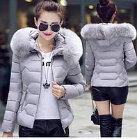 Куртка женская демисезонная меховой воротник с капюшоном серый 40-42