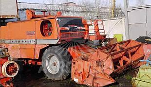 Massey Ferguson 530 комбайн зернозбиральний (під відновлення)