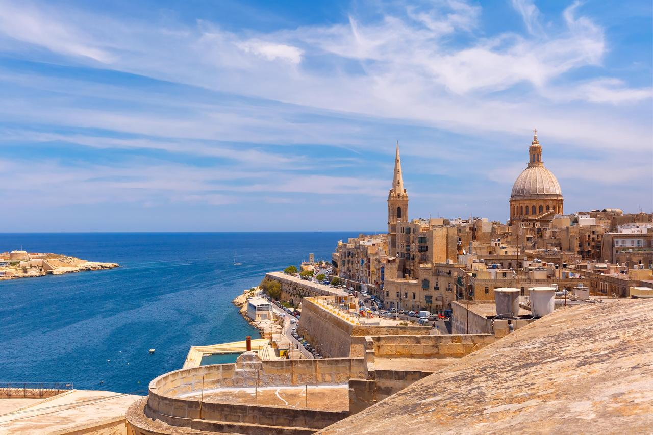 Отдых в августе на Мальте для тех, кто хочет прекрасно отдохнуть и подтянуть свой английский!